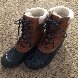 RAMPAGE Duck Boots sz 7